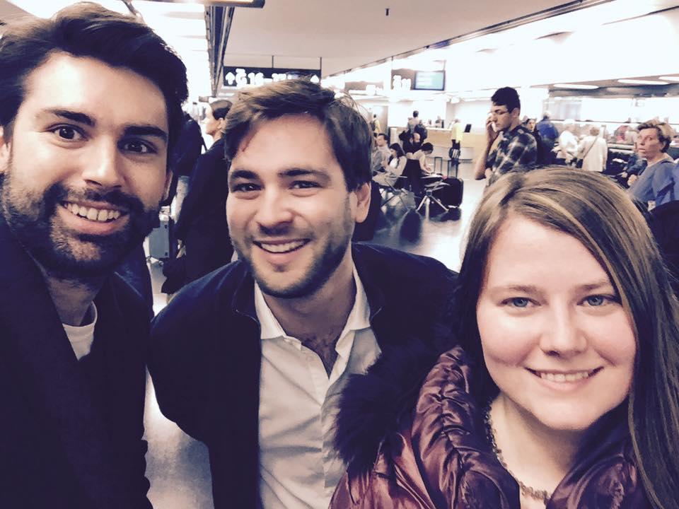 Am Flughafen nach England mit Natascha Kampusch